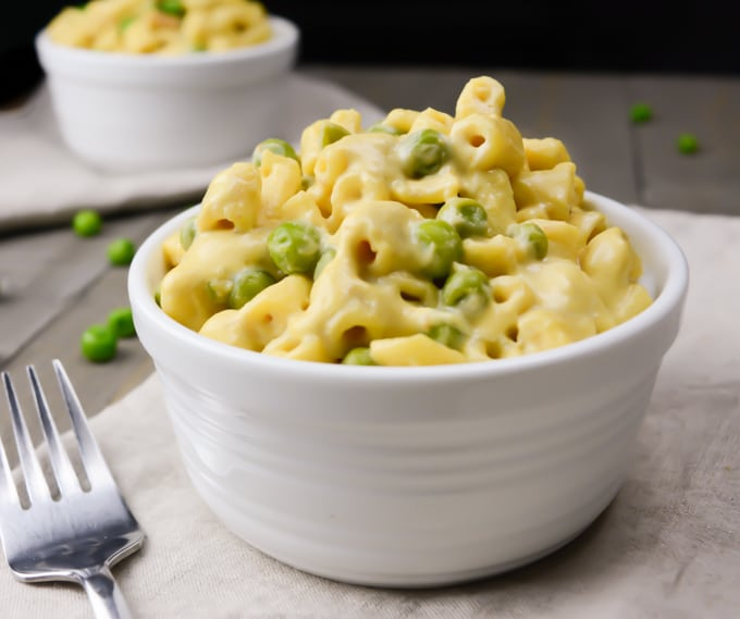 A bowl of vegan mac and cheese.