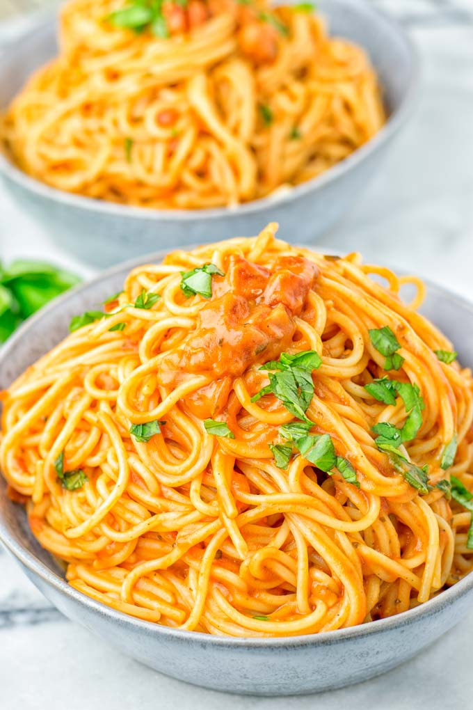 Instant Pot Spaghetti with Simple Tomato Sauce